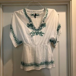 White Peasant Top w Green Embroidery Size Small